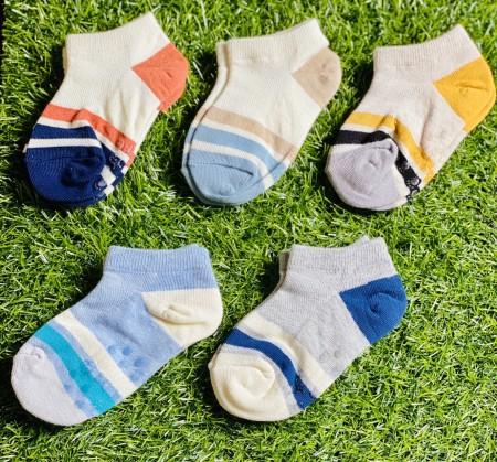 男童短襪(五入一組 隨機款)